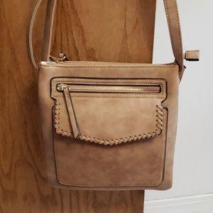 Handbags - ♥️ NWOT tan crossbody with adjustable strap